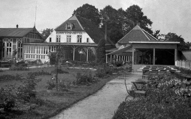 Historie vom Elbstrand Resort - Buhrfeinds Hotel