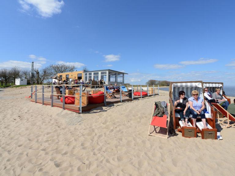 Urlaub am Strand - das Bistro StrandZeit an der Elbe