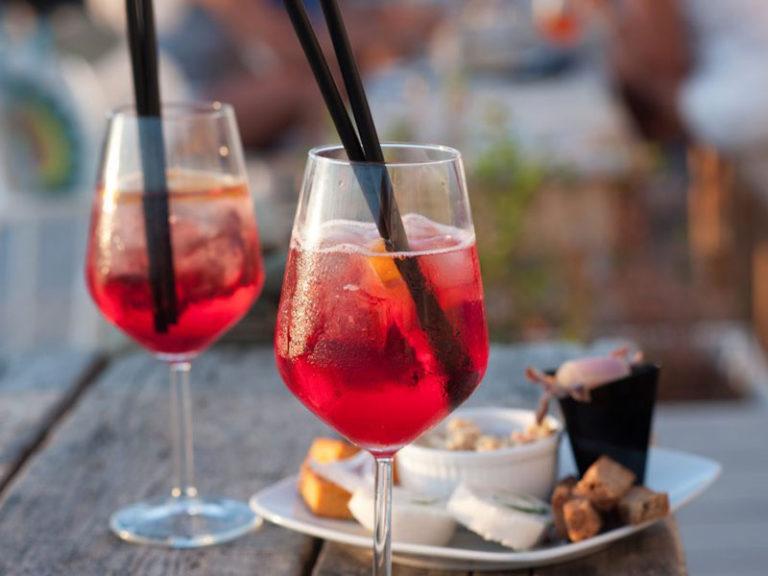 Bistro und Bar StrandZeit - Bistro am Wasser