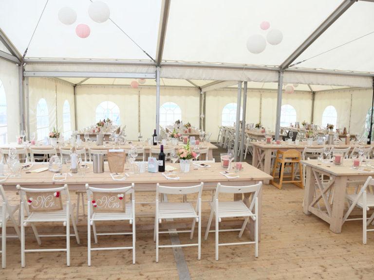 Hochzeit-Location im Zelt an der Elbe