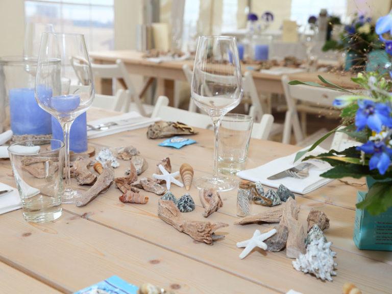Hochzeit an der Elbe am Strand feiern