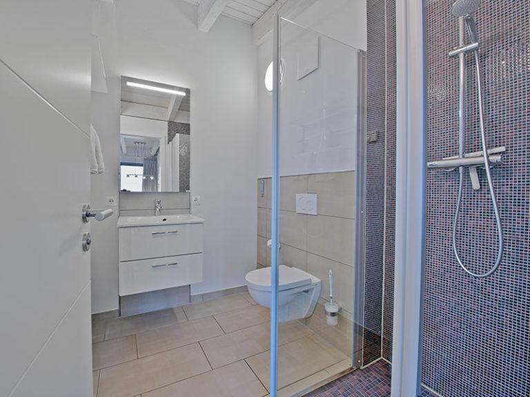 Ferienwohnung D5 R2 Badezimmer