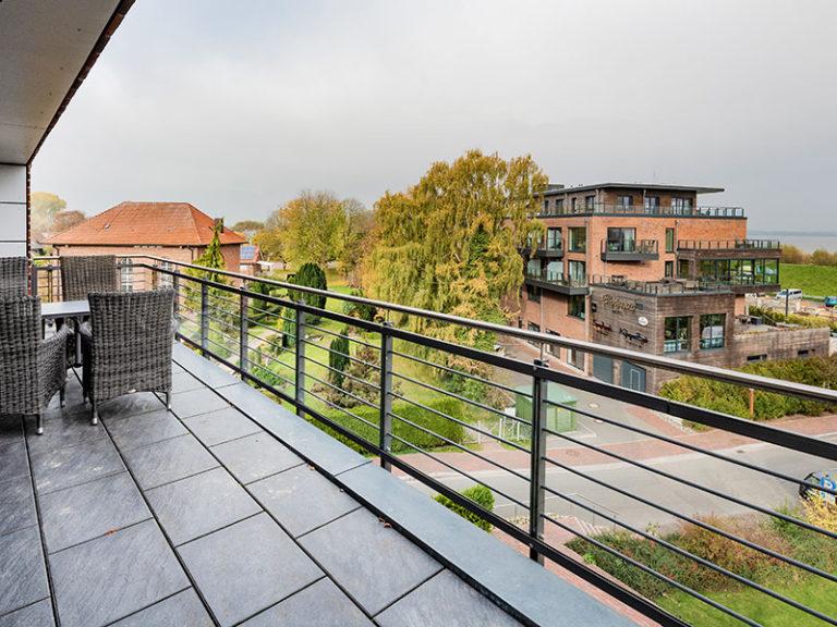Ferienwohnung D5 R2 Balkon Ausblick auf die Elbe