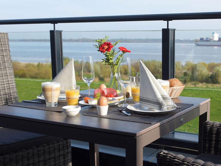 Kapitän Suite Balkon mit Blick auf die Elbe