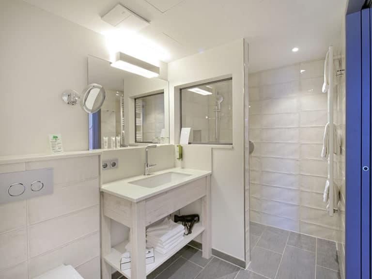 Lotsenzimmer Badezimmer