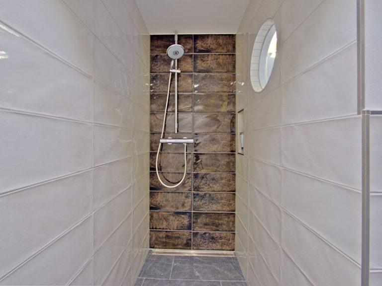 bad-mit-dusche-segelmacher-suite-2021