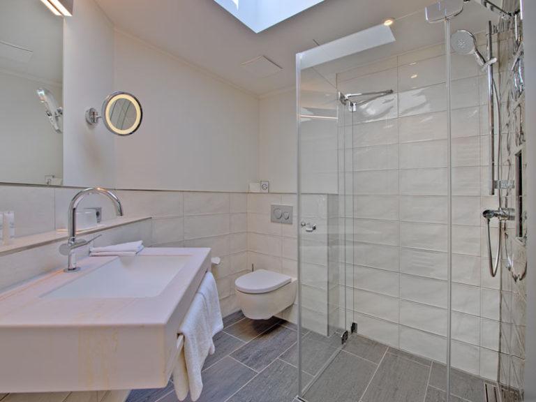 badezimmer-offizier-suite-2021