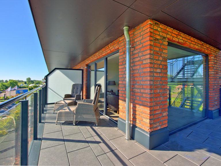 elbblick-balkon-elbpanorama-2021