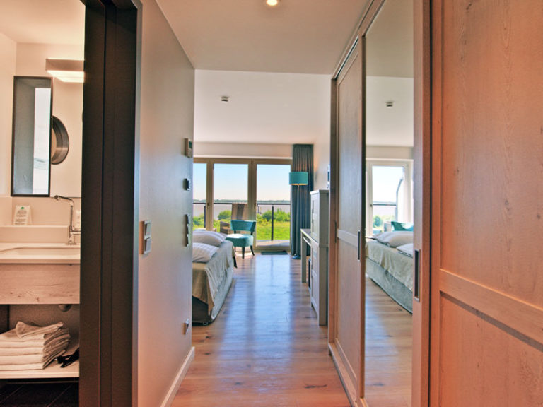 flur-komfortzimmer-elbblick-klassisch-2021