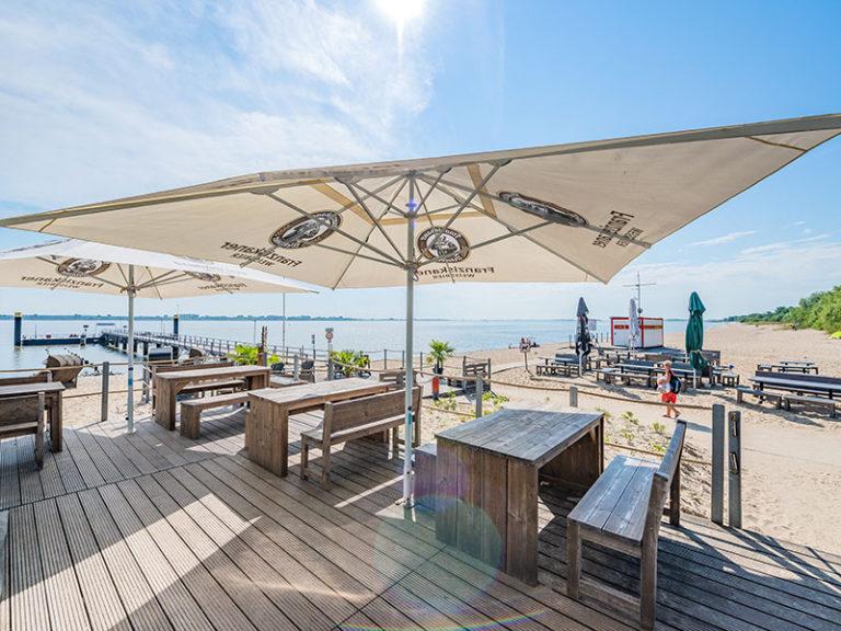impression-strandzeit-terrasse-strand