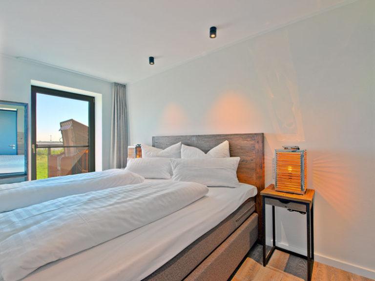 schlafzimmer-mit-elbblick-matrosen-suite-2021